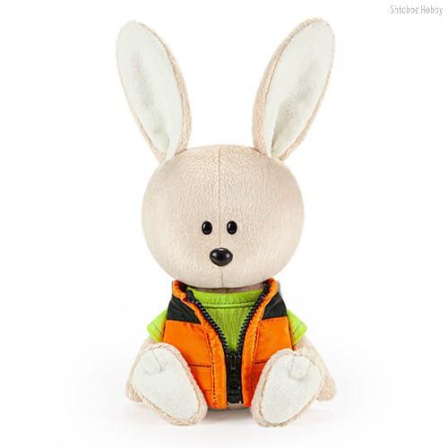 Мягкая игрушка BUDI BASA LE15-052 Заяц Антоша в зеленой футболке и безрукавке - Буди Баса